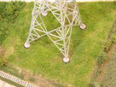 380 kV Hochspannungsmast mit V-Spitze