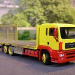 MAN Transport-LKW für Baumaschinen