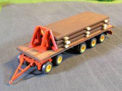 Schwerlastanhänger für den Transport von Stahlplatten