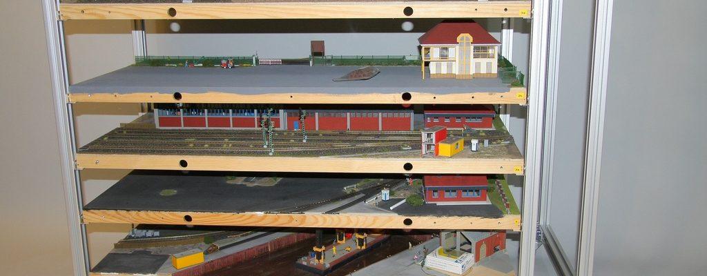 Transport- und Lagergestell für Ausstellungsplatten