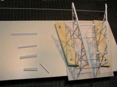 Bau eines Hochspannungsmastes