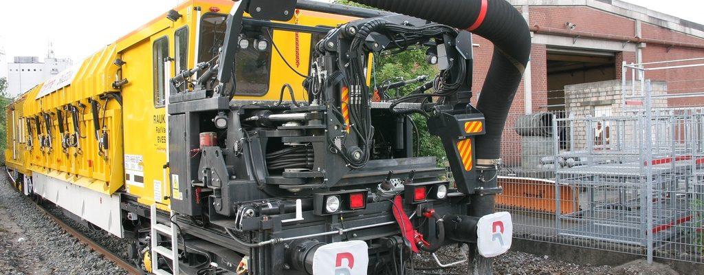 Railcare Abraum-Saugbagger RAUK-6 RailVac