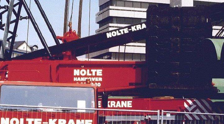Liebherr LTM1800 von Nolte