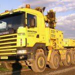 Scania 4-achs Zugmaschine mit Ladekran von Krangarden