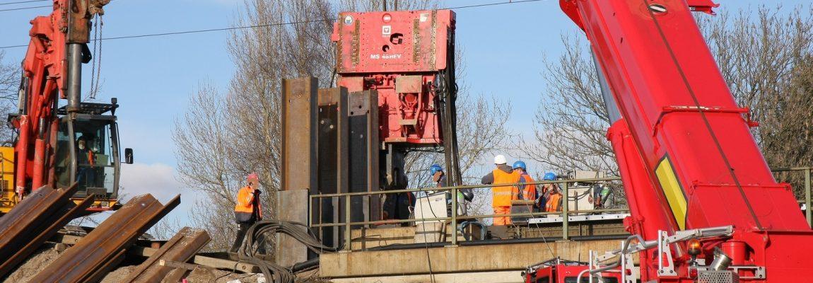 Neubau von Eisenbahnbrücken in Hannover – Bohr- und Rammarbeiten