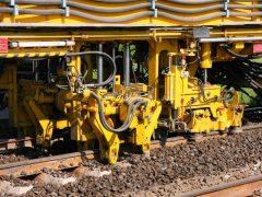 Gleisbau Weetzen-Ronnenberg – Stopfen des Schotters