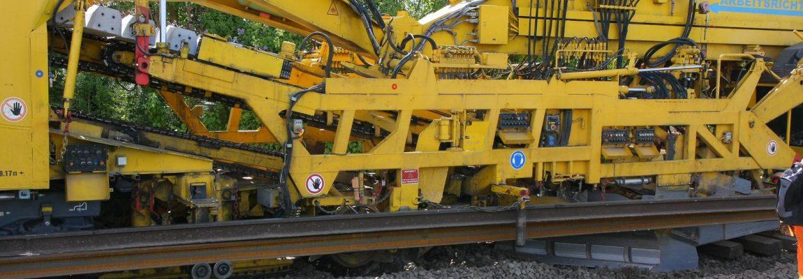 Gleisbau Weetzen-Ronnenberg – Einfädeln des Gleisumbauzugs