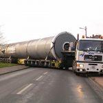 Transport einer 125t-Röhre durch Voss