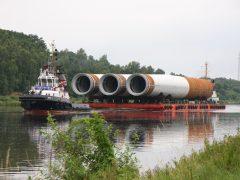 Monopile-Transport im Nord-Ostsee-Kanal